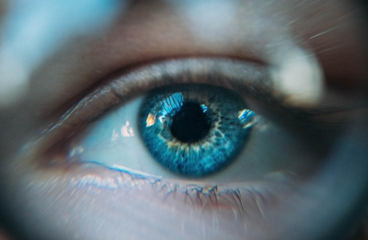 scholarships for blue eyes